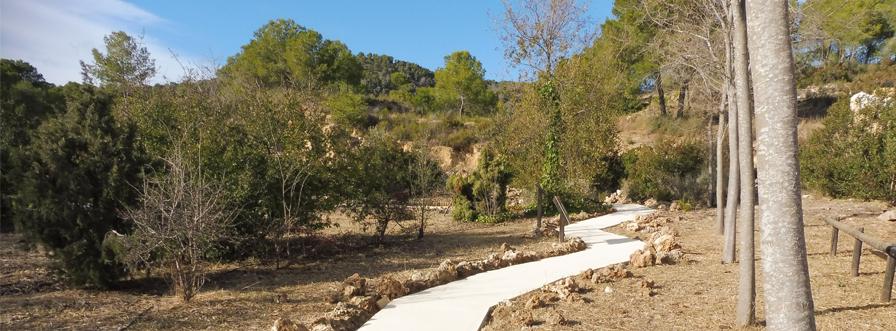 Exécution des trottoirs du parc de la Villa María (Almería)